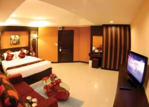 DELUXSUITE DOUBLE ROOM (Breakfast included + Free one way Airport transport)